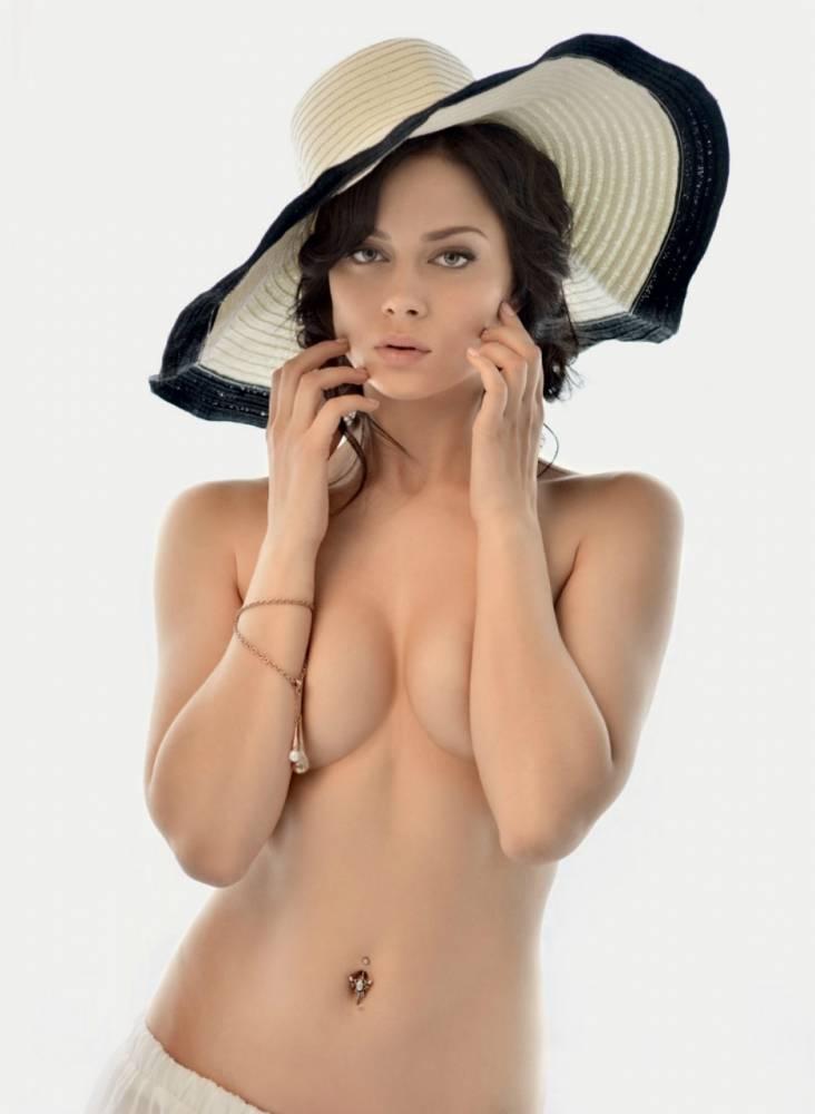 Фото российские сайт голых актрисы