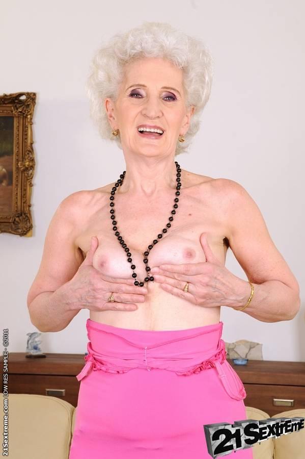 порно старые лесбиянки с молодой