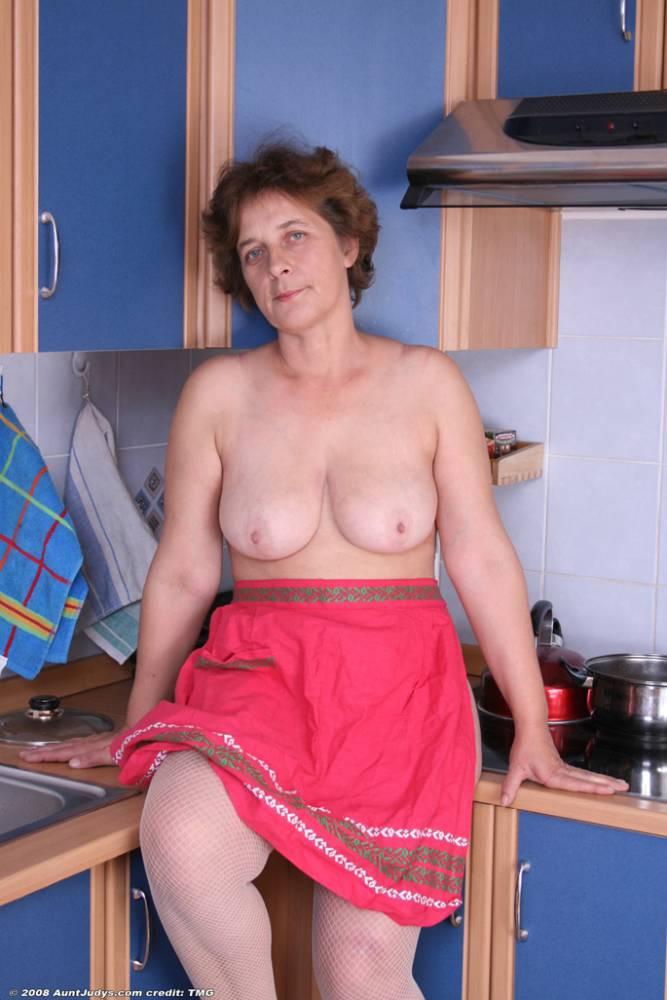 Бабушка с разорванной пиздой фото 627-230