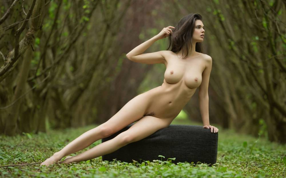 girl-s-naked-body