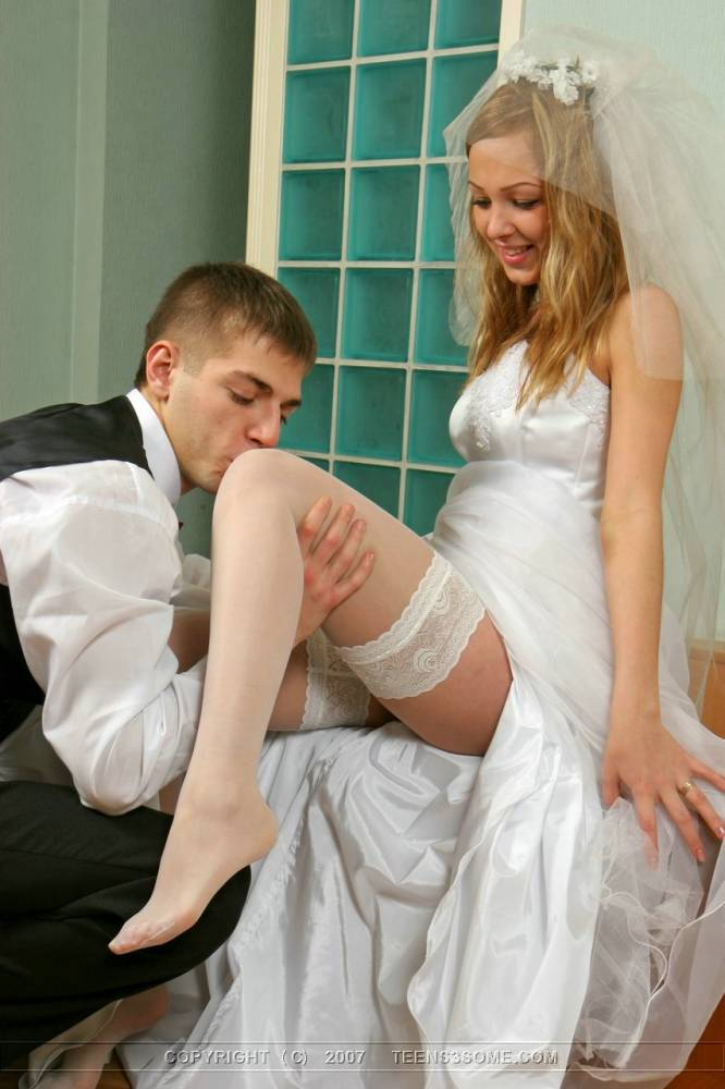 Трахнул дочь в сваебном платье