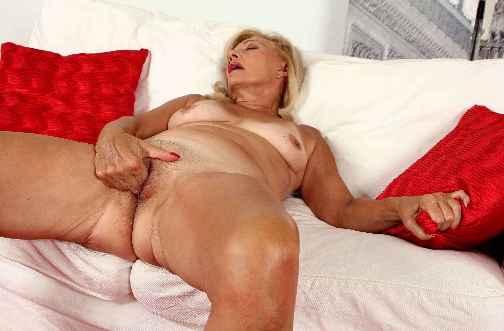 Show me images of sexy nude grandmas