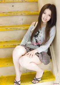 Молодая китаянка с волосатой киской
