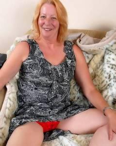Бабуля в красном белье захотела толстый член в волосатую пизду