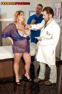 Гинеколог на приеме трахнул беременную жену - фото
