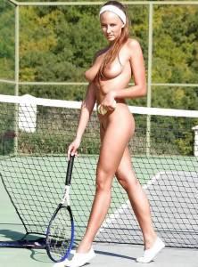 Голые теннисистки (фото)