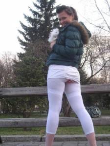 Случайные засветы у девушек под юбками
